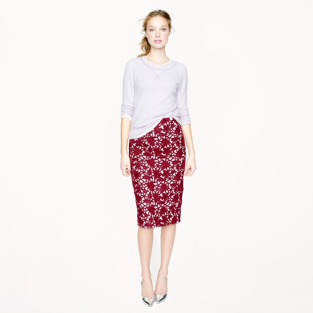 Collection pencil skirt in appliquéd guipure lace