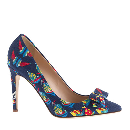 Collection bow pumps in Ratti Regatta print