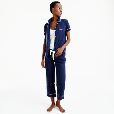 Free shipping and returns on distrib-ah3euse9.tk Vintage Cotton Pajamas at distrib-ah3euse9.tk Contrast piping outlines classic menswear-inspired cotton PJs that pair a /5(76).