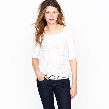 Ring-around eyelet top
