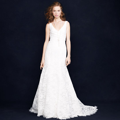 Sara lace gown