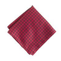 Silk pocket square in poppy print