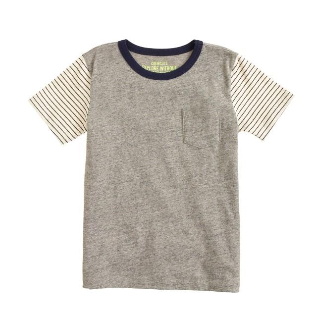 Boys' pocket tee in stripe sleeve