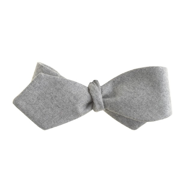 Wool bow tie in medium grey