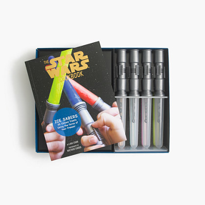 Kids' The Star Wars™ Cookbook with lightsaber ice-pop trays