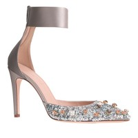 Collection Natasha jeweled satin pumps