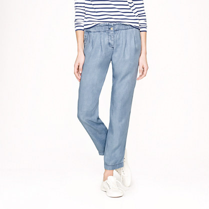 Gathered pull-on pant in silky chambray