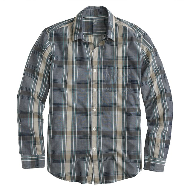 Lightweight chambray shirt in deep ultramarine plaid
