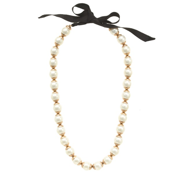 Gilded-edge pearl necklace