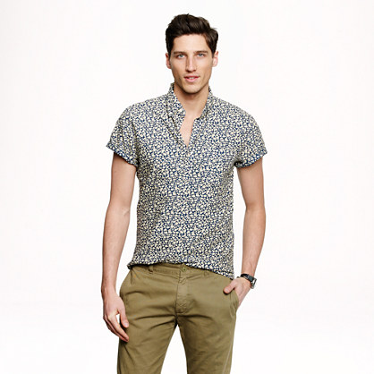 Short-sleeve popover in reverse-printed floral