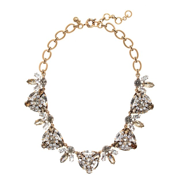 Radiating triangles necklace