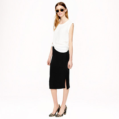 Side-slit soft pencil skirt