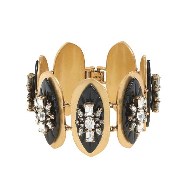 Oval plate bracelet