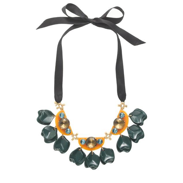Floating petals necklace