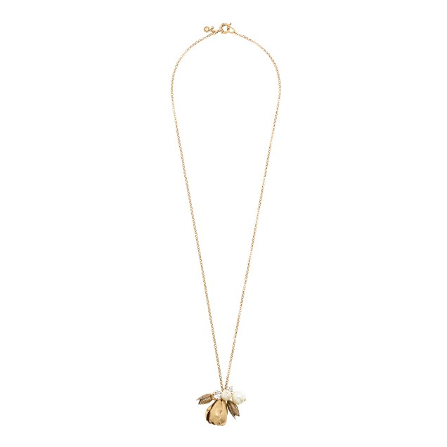 Pearls and petals pendant necklace