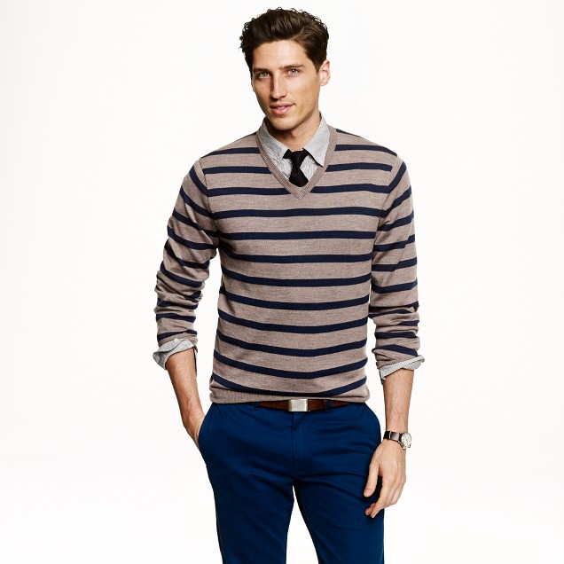 Slim merino wool V-neck sweater in side stripe