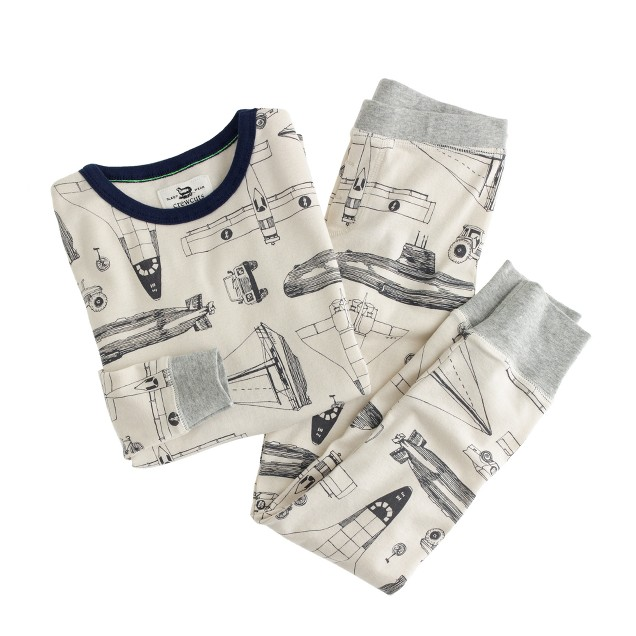 Boys' pajama set in transportation mode