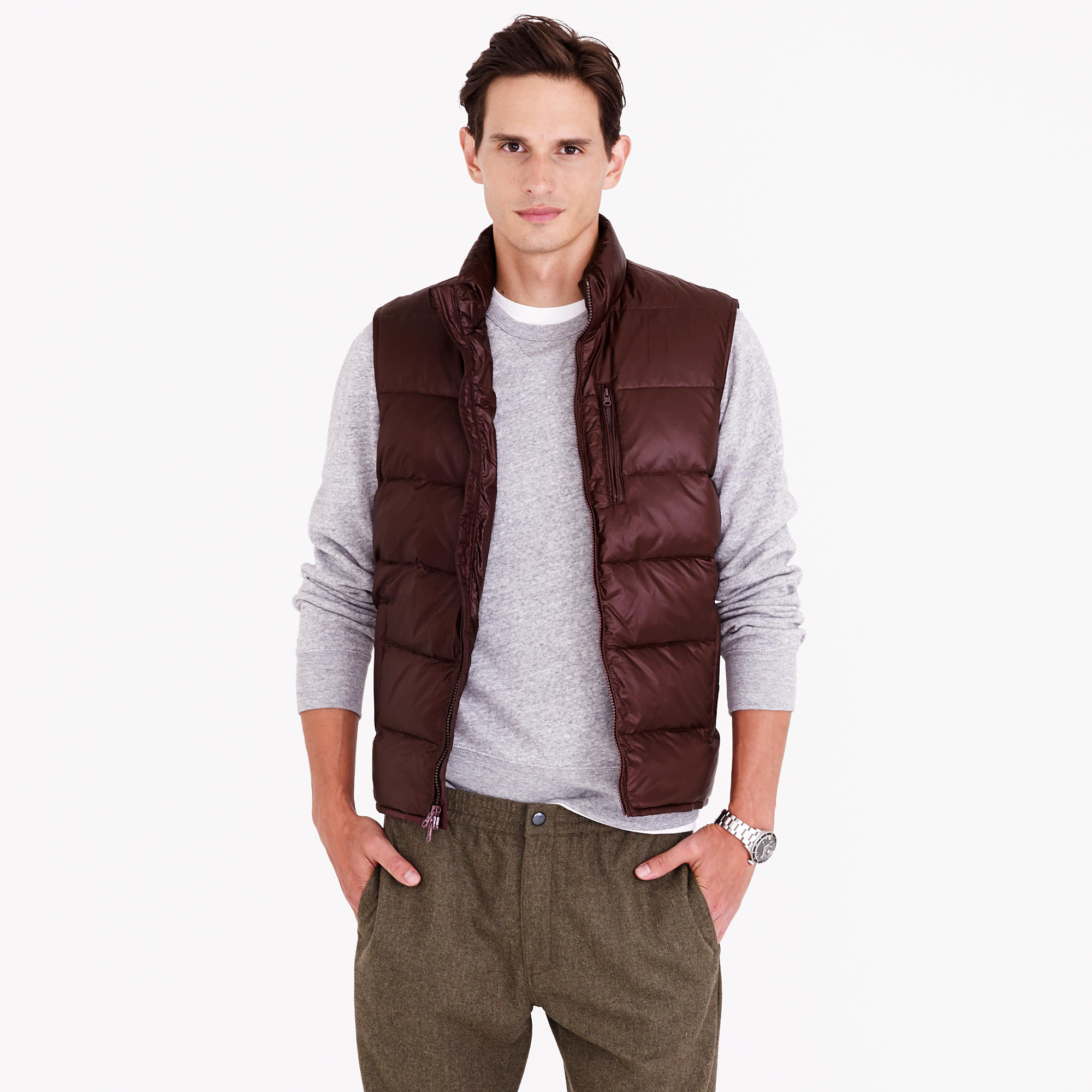 Mens Puffer Vest Shop the Latest Puffer Vest Men. A mens puffer vest isn't just for keeping out the cold. When you're shopping for a puffer vest on Differio, you're going to find only the coolest styles.