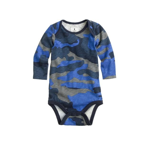 Baby long-sleeve one-piece in cobalt camo