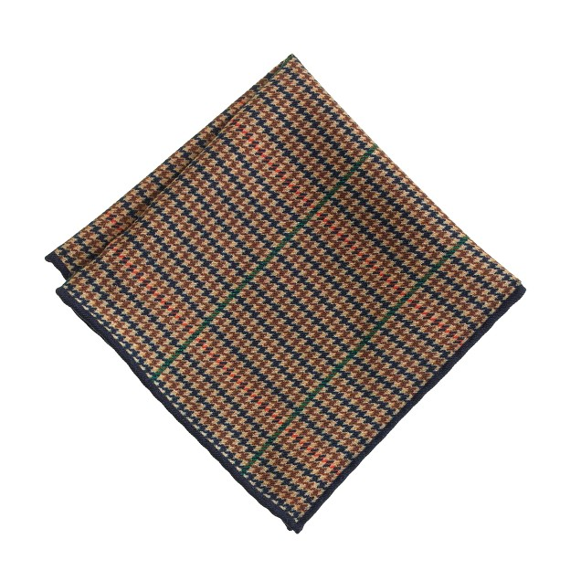 Italian wool pocket square in houndstooth