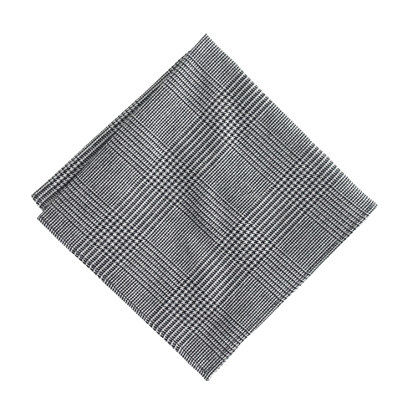 Cotton pocket square in houndstooth