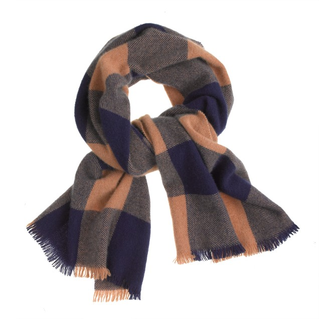Cashmere scarf in buffalo check