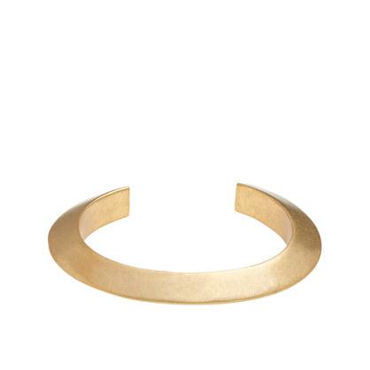 Triangle-edge cuff