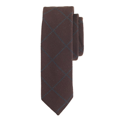 English wool tie in dark brown windowpane