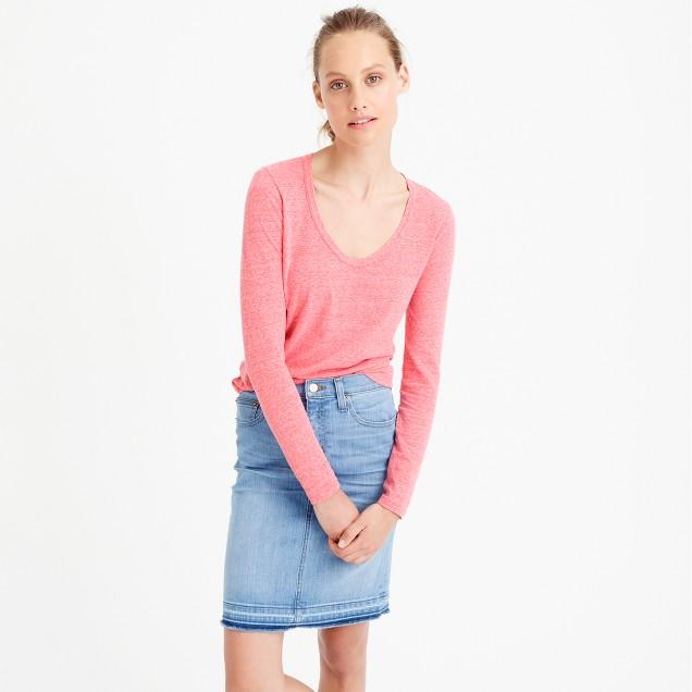 Long-sleeve scoopneck T-shirt in slub cotton