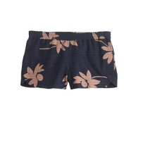 Pull-on short in falling flowers