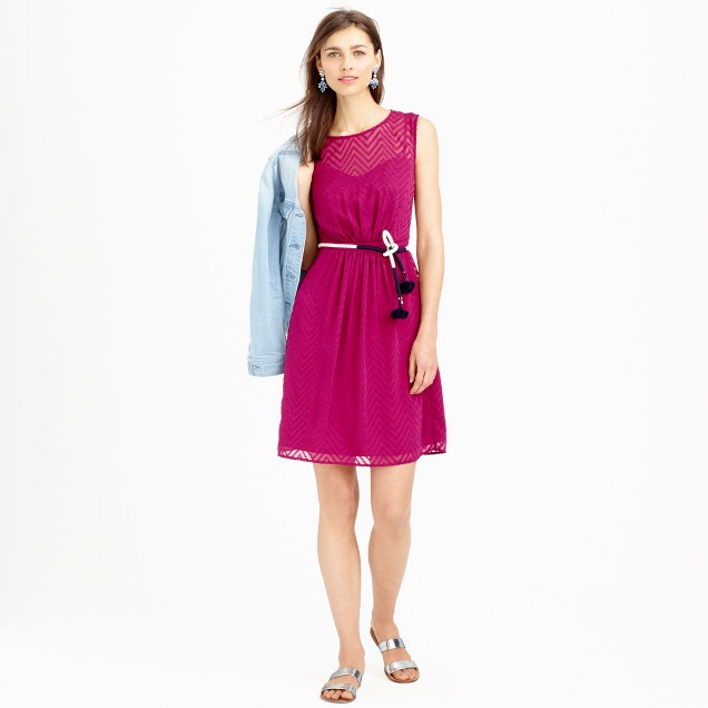Sleeveless chiffon dress in zigzag