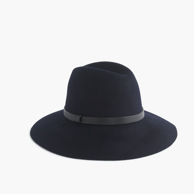 Wide-brimmed felt hat with leather band