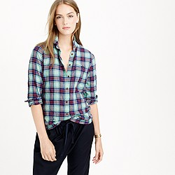 Shrunken boy shirt in green-red plaid