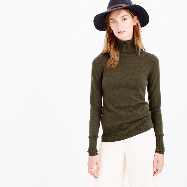 Italian classic turtleneck sweater in cashmere