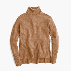 Relaxed wool turtleneck with rib trim