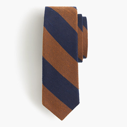 Textured English silk tie in classic stripe