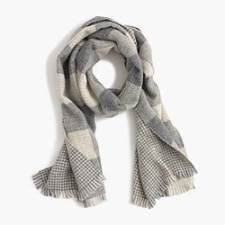 Reversible buffalo check houndstooth wool scarf
