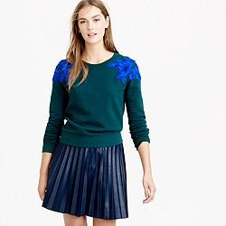 Sweatshirt with floral appliqué