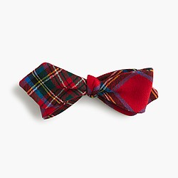 English wool bow tie in Edward tartan
