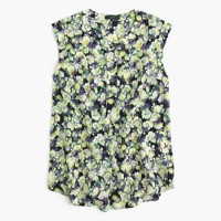 Tall sleeveless drapey popover shirt in clover print