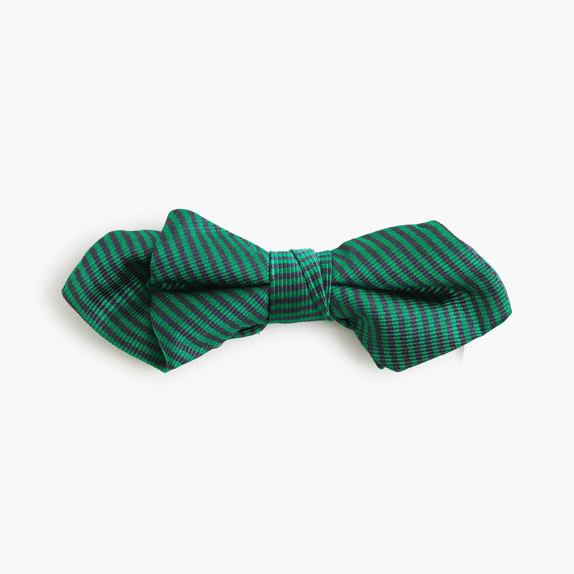 Boys' silk bow tie in green stripe :