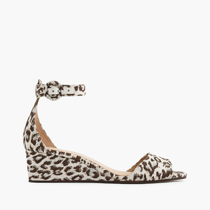 Laila wedges in leopard print