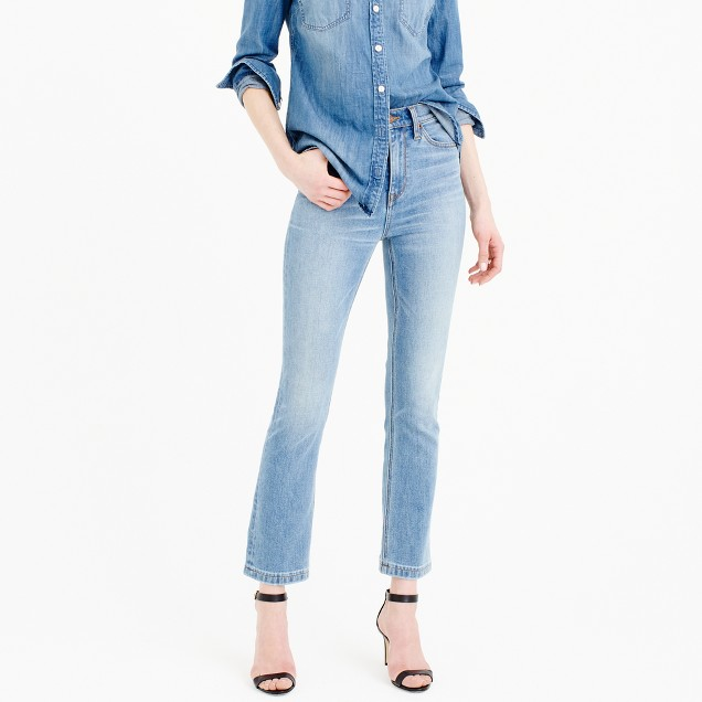 Billie demi-boot crop jean in Surrey wash