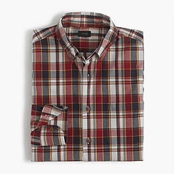 Slim lightweight cotton shirt in red plaid