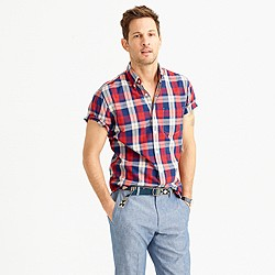 Slim short-sleeve lightweight cotton shirt in red plaid