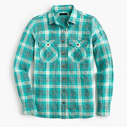 Petite boyfriend shirt in emerald plaid