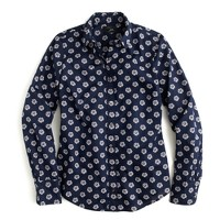 Perfect shirt in scattered daisy