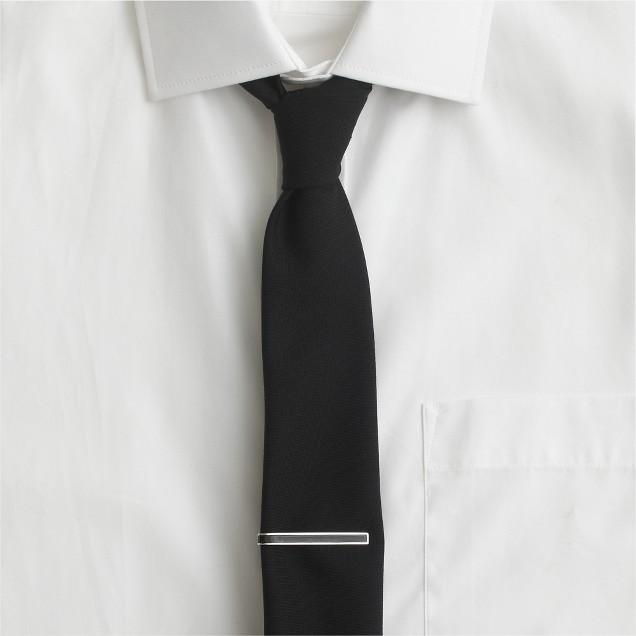Contrast enamel tie clip