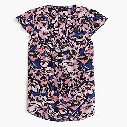 Flutter-sleeve silk top in hibiscus print