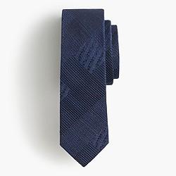 Italian silk tie in small textured weave